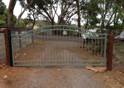 Henley Design 4 Rail Double Arching; Single Gate; Rivergum; Cherry Gardens