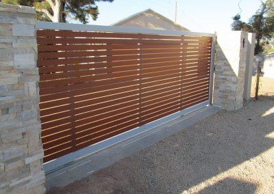 Springfield Design Sliding Gate Western Red Cedar Decowood Slats 65x16 Shale Grey Frame Renmark