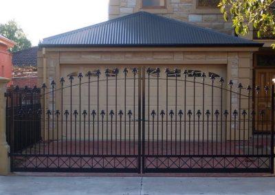 St Peters Design, 40x10 Flat Bar. Westminster Spears & Row of Large Crosses along bottom of gates Satin black Torrensville