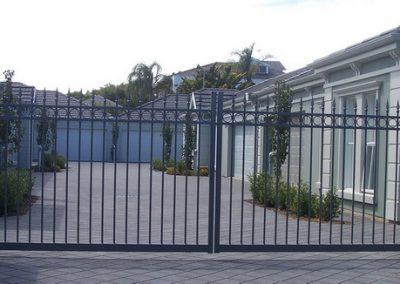 Norwood Design 3 Rail Circles & Melrose Spear; Double Gates; Woodland Grey; Somerton Park