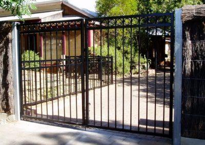 Henley Design Circles; Double Gates; Satin Black; Daw Park
