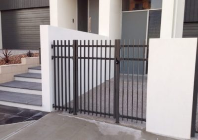 Burnside Design 50x10 On Edge Gate with Lokk Latch Somerton Park Satin Black