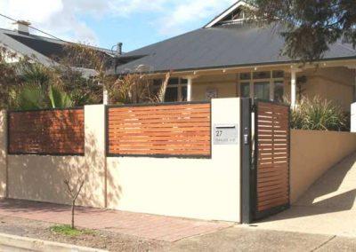 Leabrook Design 65x16 Decowood Timber Look Slats Brighton Silky Oak Slats Monument Frame