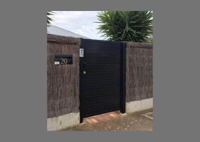 Leabrook Design 65x16 Horizontal Slat with No Gaps 001 Lockwood Lock & Intercom. Warradale Satin Black