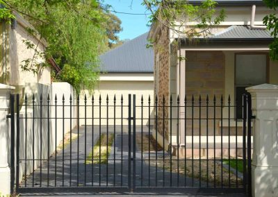 St Peters 3 Rail Melrose with Extra Rail Automated Double Gates Beulah Park Satin Black