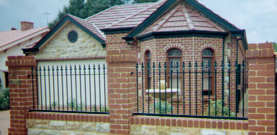 St Peters Design 40x10 Flat Bar Camden Spear Dover Gardens Satin Black