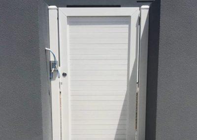 Leabrook design, horizontal slat, no gaps, 001 lockwood lock & intercom (gloss white)